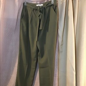 Olive tapered pant